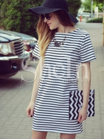 http://m.shein.com/fr/Black-White-Striped-Short-Sleeve-Straight-Dress-p-176476-cat-1727.html